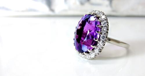 How To Wear Gemstone Jewelry