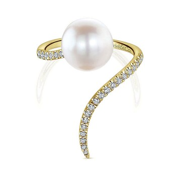 14k Yellow Gold Diamond Pearl Fashion Ladies' Ring